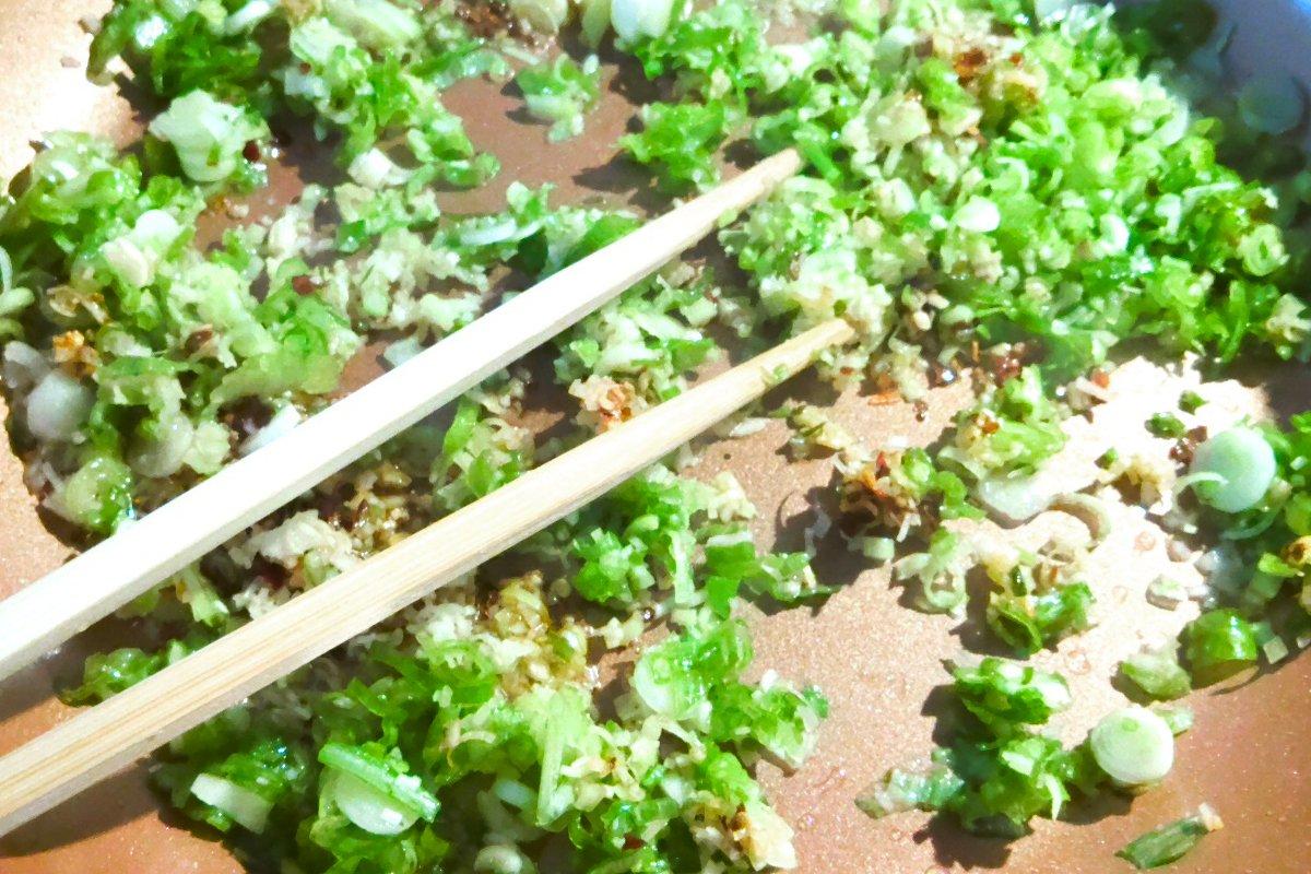 cooking aromatics for lemongrass tofu