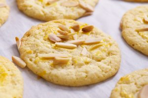 chinese new year almond cookie