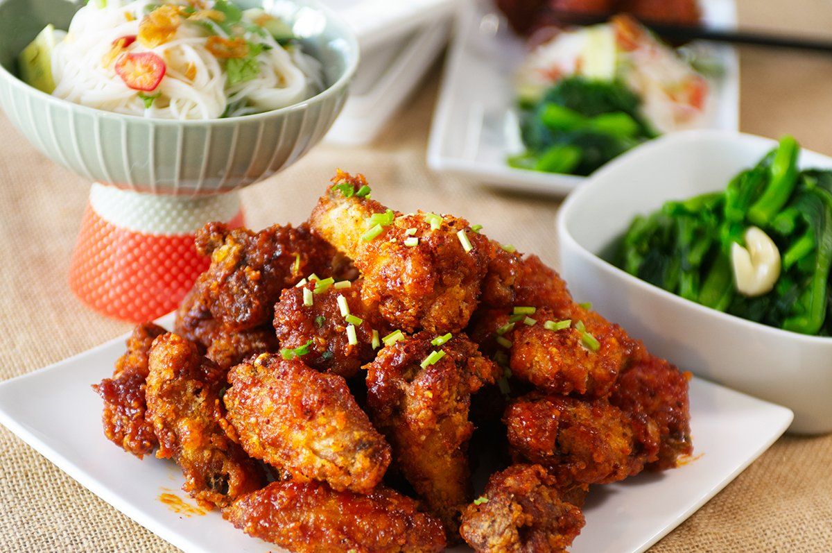 korean fried chicken beauty shot